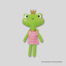 Avenue Mandarine Little Couz in Gaby the Frog - Me Books Store