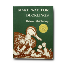 Make Way for Ducklings - Me Books Asia Store