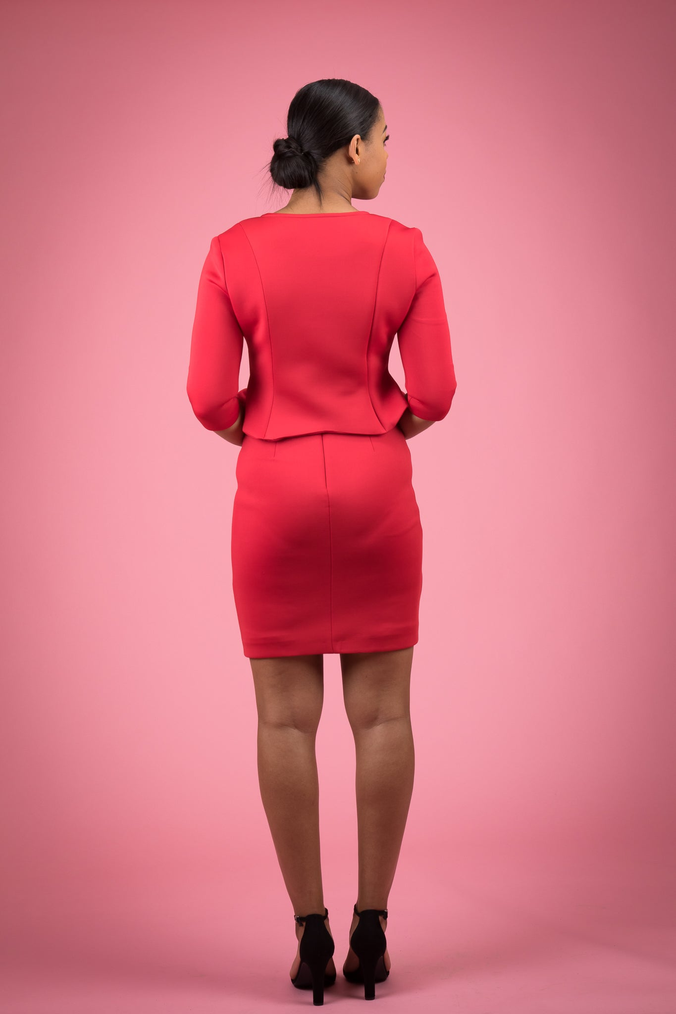 Flouncing Hemline Bodycon Short Sleeve Skirt Suit