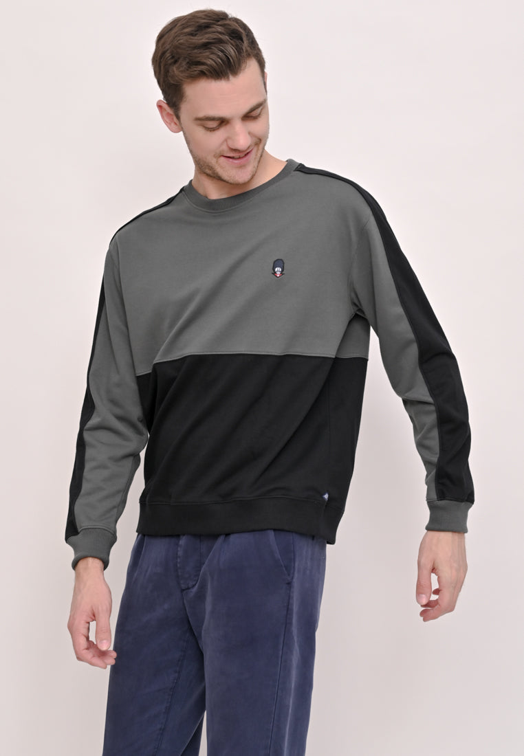 Guardian Oversize Pullover In Black