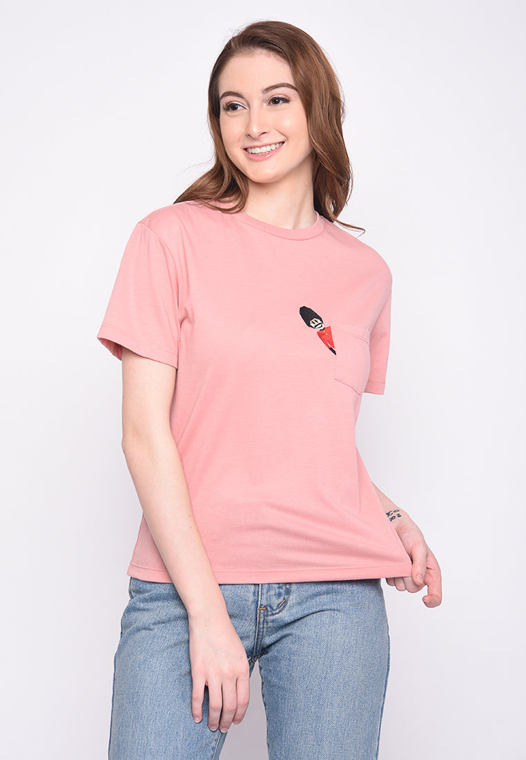 Peeping Guard Graphic T-Shirt in Pink