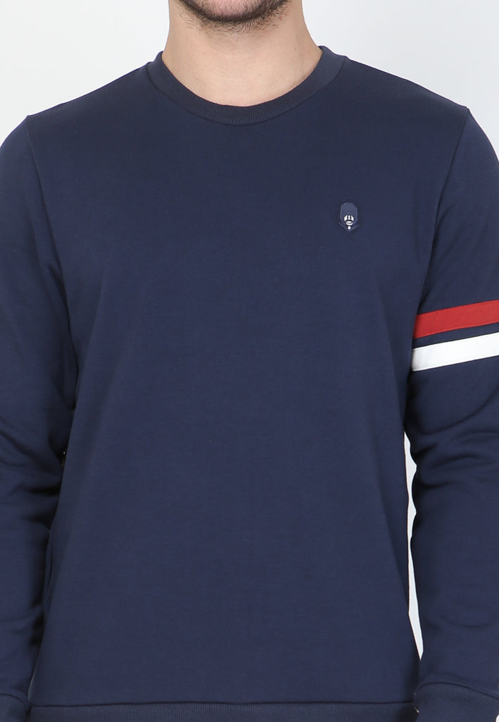 Royale Court Pullover in Navy
