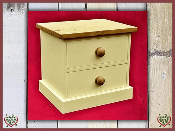 PAINTED SHAKER BEDSIDE CHEST | Paul Martyn Furniture UK