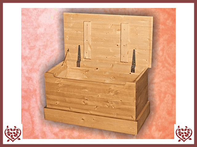 SHAKER PINE BLANKET BOX | Paul Martyn Furniture UK