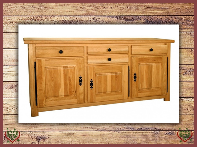COUNTRY OAK 3 DOOR 4 DRAWER SIDEBOARD | Paul Martyn Furniture UK