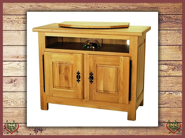 COUNTRY OAK TV ENTERTAINMENT CABINET | Paul Martyn Furniture UK