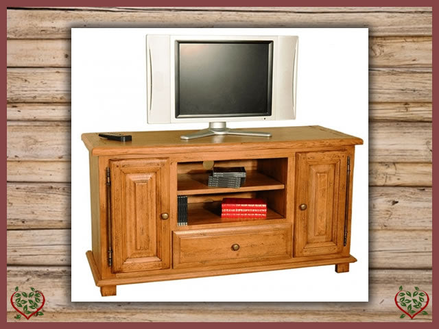 HERITAGE OAK WIDESCREEN TV UNIT – 2 DOORS/1 DRAWER | Paul Martyn Furniture UK
