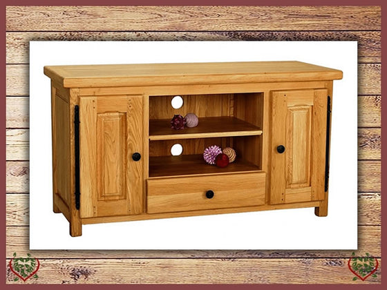 COUNTRY OAK WIDESCREEN TV CABINET | Paul Martyn Furniture UK