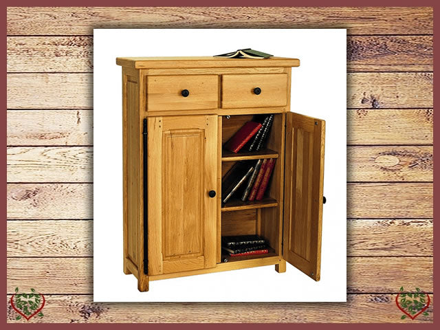 COUNTRY OAK LOW CUPBOARD