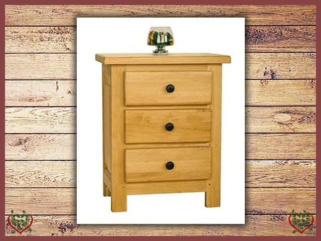 COUNTRY OAK 3 DRAWER BEDSIDE CHEST | Paul Martyn Furniture UK