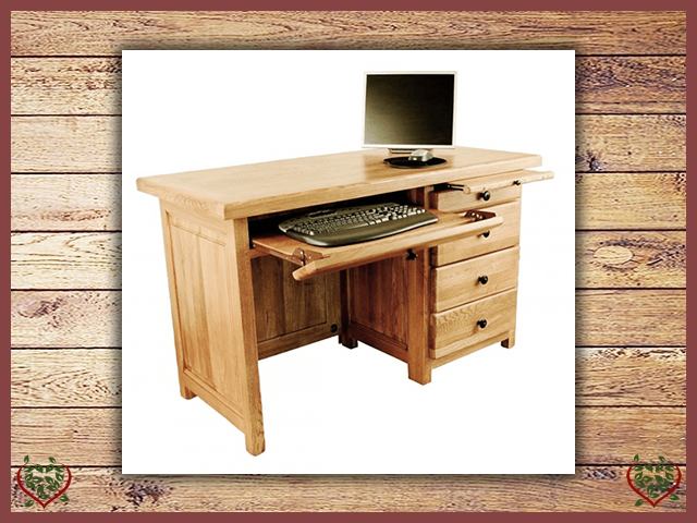 COUNTRY OAK 3 DRAWER DESK | Paul Martyn Furniture UK