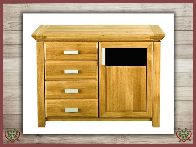 TEMPLE OAK SIDEBOARD, DOOR/4 DRAWERS, GLAZED