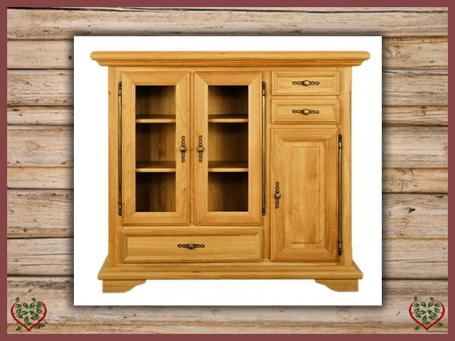 COURTIER OAK HIGHBOARD, 3 DOORS/3 DRAWERS | Paul Martyn Furniture UK