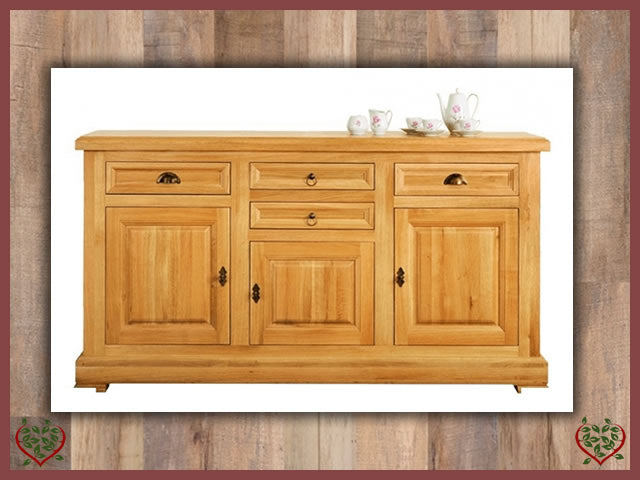 MANOR OAK SIDEBOARD – 3 DOORS/4 DRAWERS | Paul Martyn Furniture UK