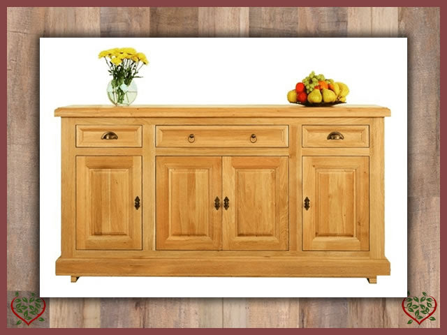 MANOR OAK SIDEBOARD – 4 DOORS AND 3 DRAWERS | Paul Martyn Furniture UK