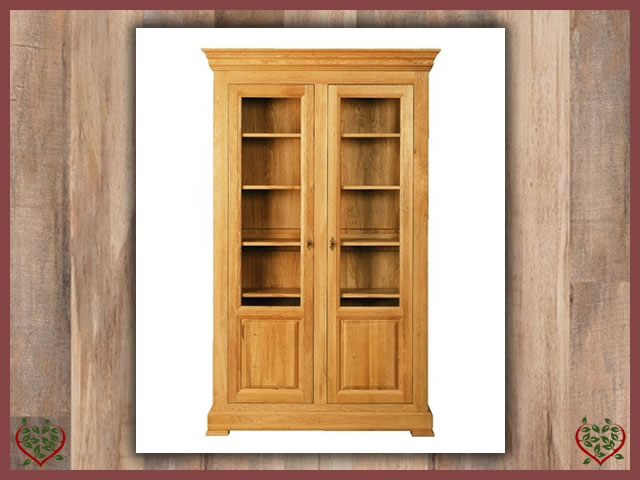 MANOR OAK DISPLAY CABINET – 2 DOORS | Paul Martyn Furniture UK