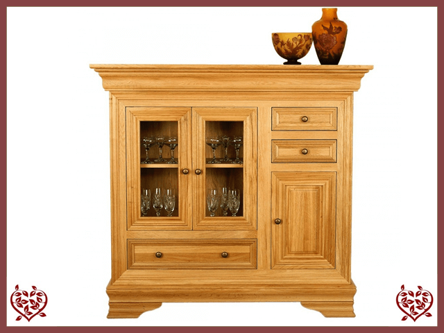 CHANCELLOR OAK HIGHBOARD, 3 DOORS/3 DRAWERS