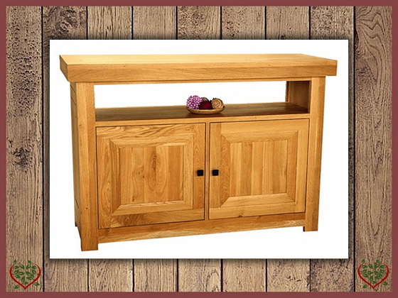AUBUSSON OAK ENTERTAINMENT CABINET SIDEBOARD | Paul Martyn Furniture UK