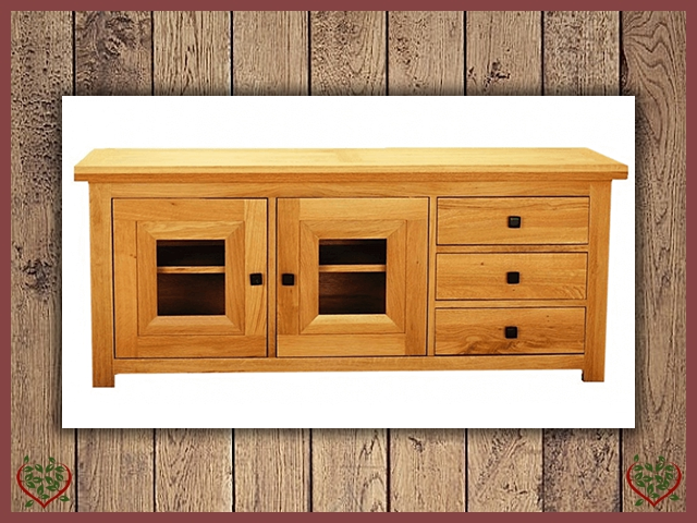 AUBUSSON OAK WIDE GLAZED TV CABINET | Paul Martyn Furniture UK
