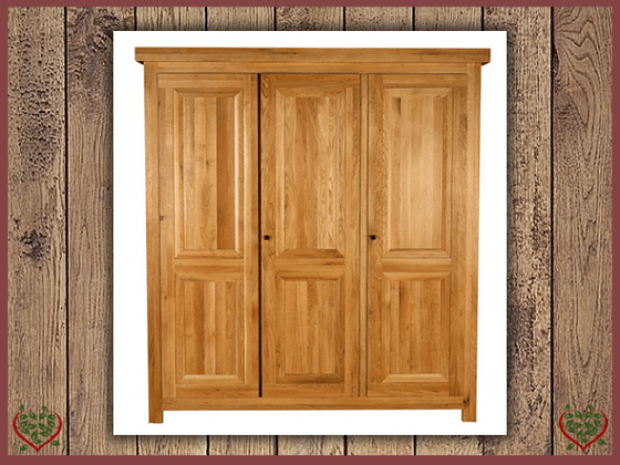 AUBUSSON OAK 3 DOOR WARDROBE | Paul Martyn Furniture UK