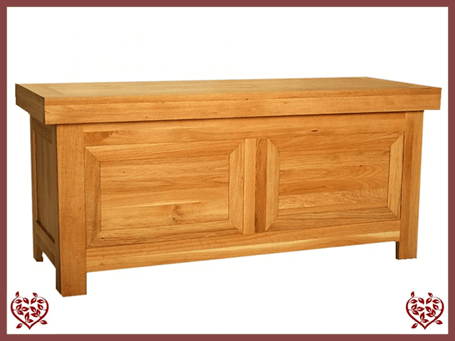AUBUSSON OAK BLANKET BOX | Paul Martyn Furniture UK