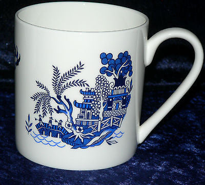 Blue willow 1 pint bone china mug