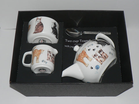 Cats 2 cup teapot,Milk & Sugar gift boxed. Teapot with matching milk and sugar