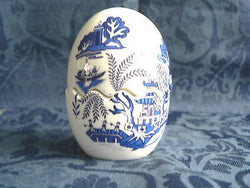 Blue willow bone china egg cruet salt&pepper set