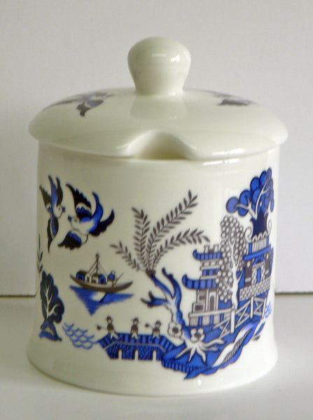 Blue willow pattern, bone china preserve, jam mamalade pot container