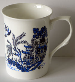 Blue willow bone china mug standard willow pattern