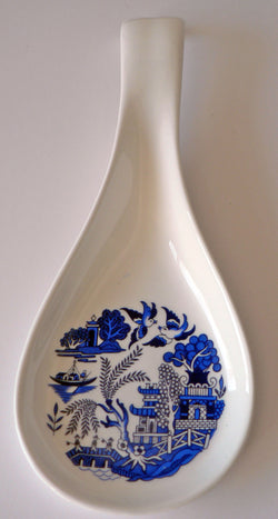 Blue willow pattern white bone china Spoon. Large kitchen utensil rest