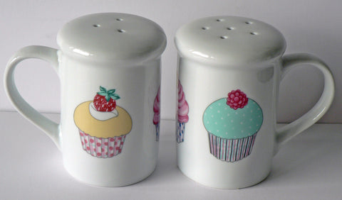 Cupcake design Salt and pepper shakers. Large simple shape cupcakes, fairy cakes