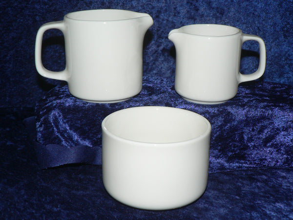 White porcelain milk jug in choice of 2 sizes or open sugar bowl
