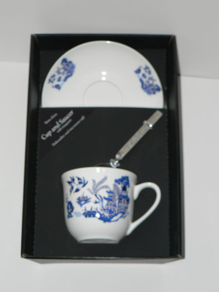 Blue willow pattern teacup and saucer set.  Bone china cup and saucer gift boxed with spoon