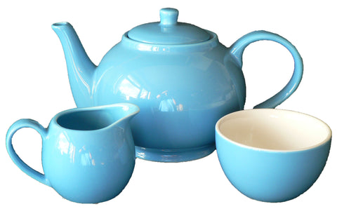 Blue 30oz teapot, milk jug and matching sugar bowl.