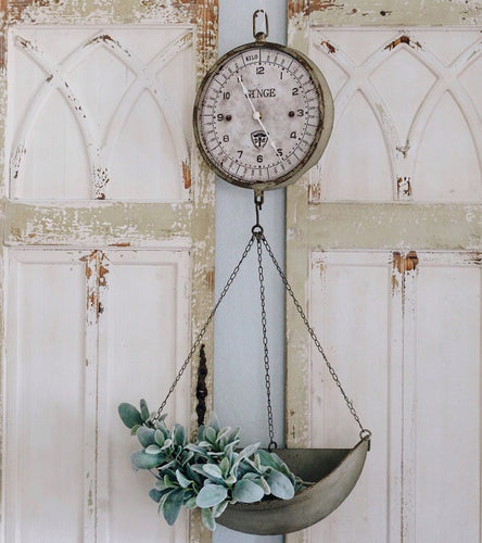 Ordinaire Vintage Inspired Metal Hanging Produce Scale Clock