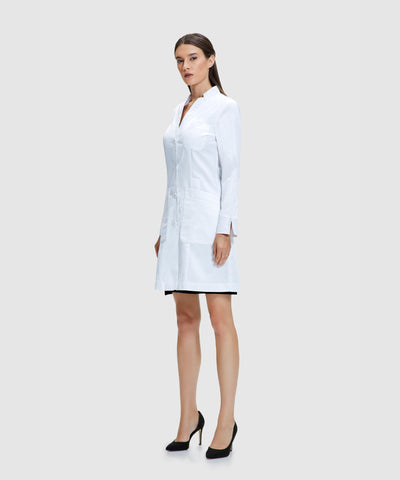 lab coats for women - how do i know if my lab coat fits properly