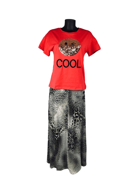 Load image into Gallery viewer, Short Sleeved T Shirt | Sequined Smiley | Iconic - mapuchi moda