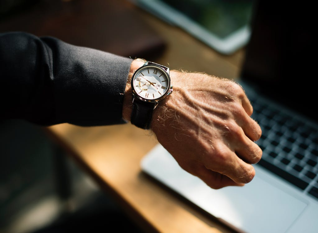 5 Reasons Why Wearing a Watch Makes You More Successful