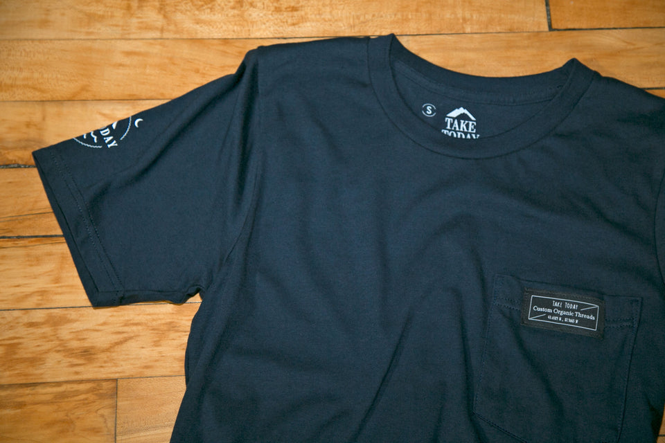 """lower east side"" pocket t in navy"