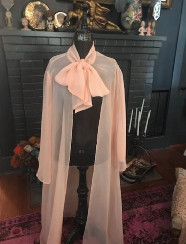 Gorgeous Minty Peach 1950's Chiffon 'Pussy Bow' Peignoir Robe