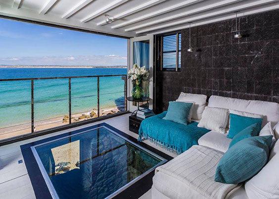 Blackmoon beachside romantic getaway in St Ives