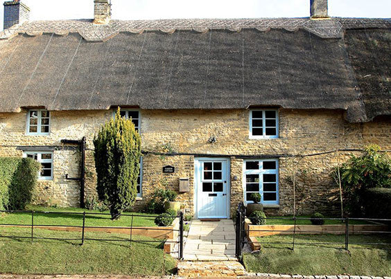 300-year-old thatched self catering cottage