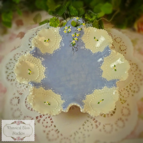 Charming Blue Daisy Candy Dish