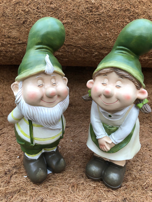 Gnome Kissing Green