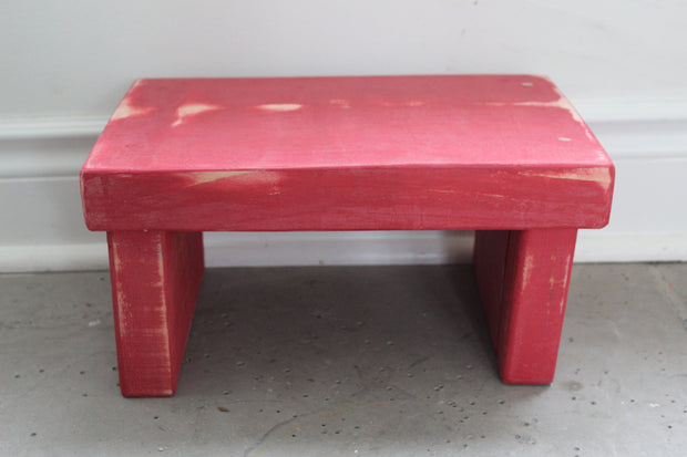 Fort York Red Kids' Step Stool - Distressed