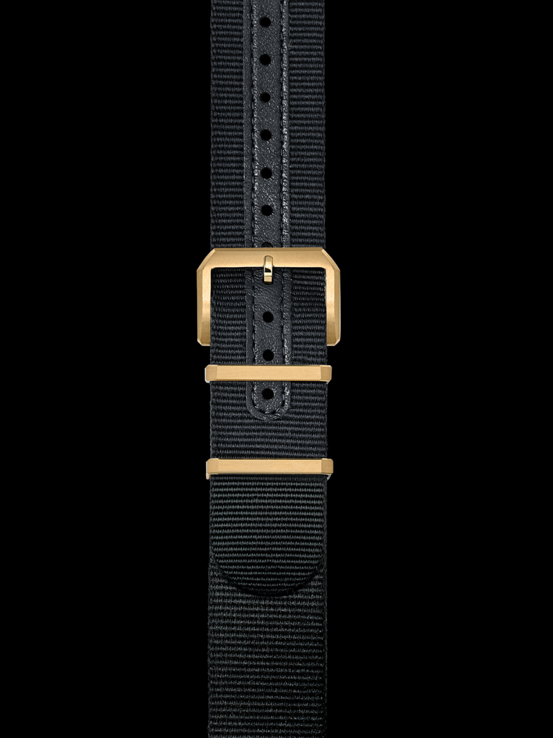 Nato Strap w. Yellow Gold Buckle