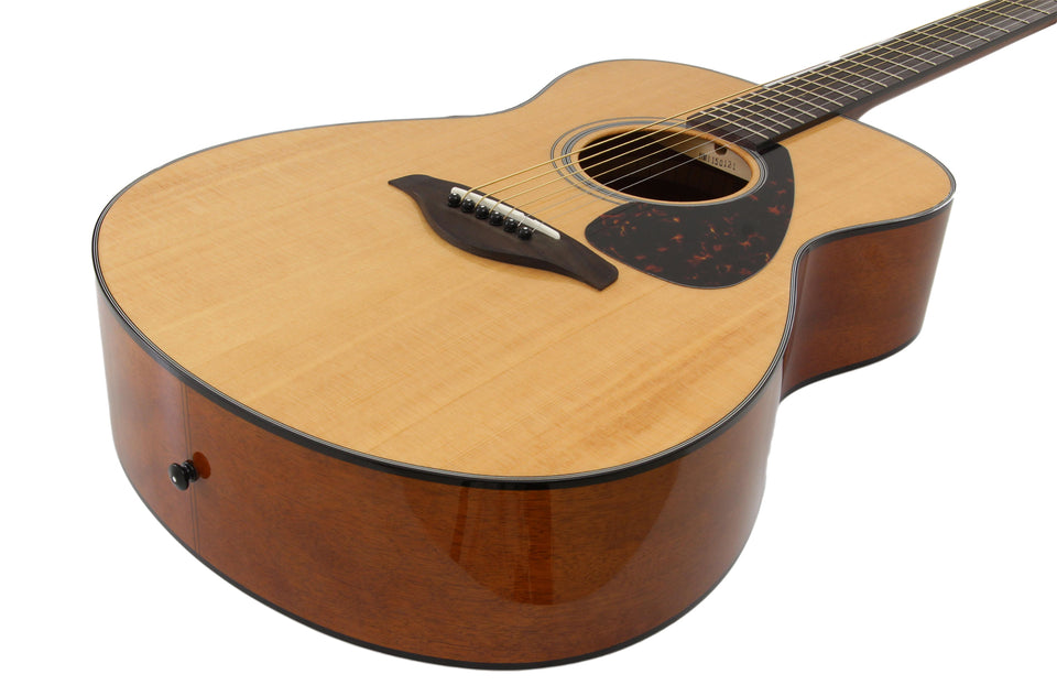 Yamaha FS800 Small Body Acoustic Guitar
