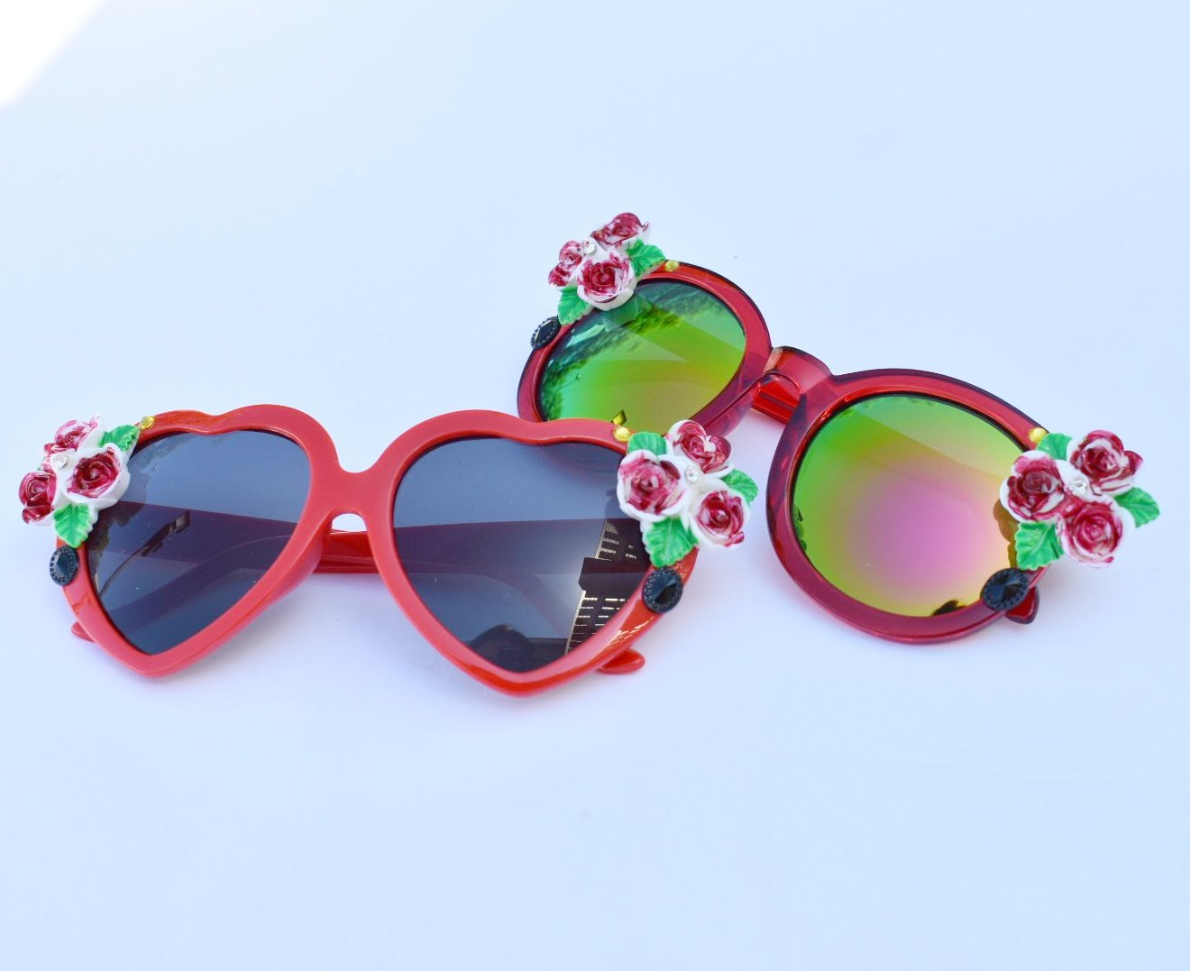 Queen of Hearts Painted Red Sunnies