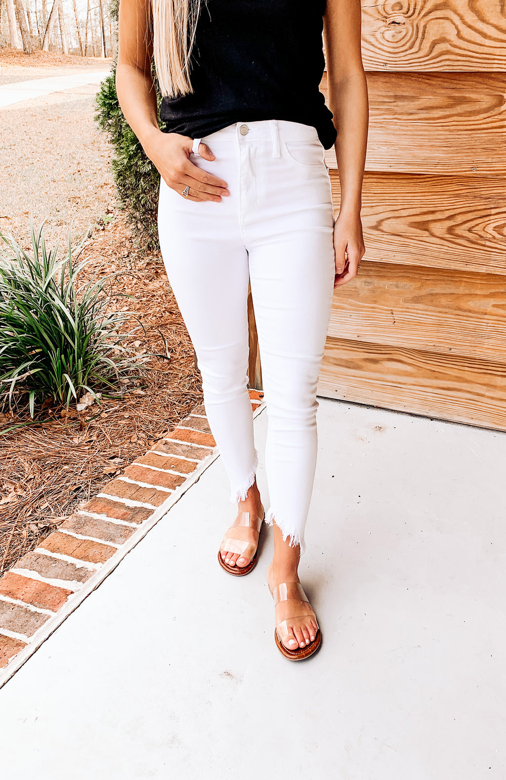 Sydney Frayed White Denim